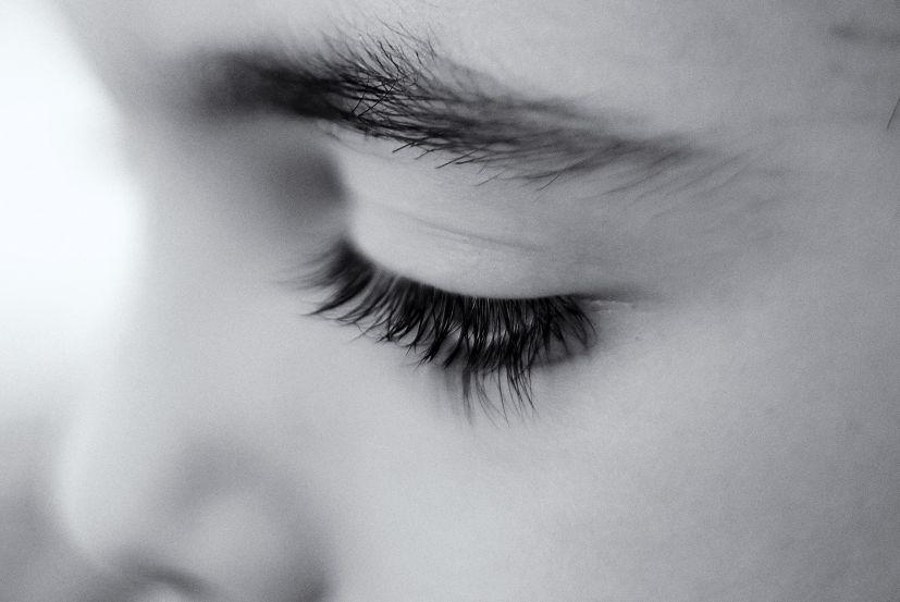 O olhar de uma criança: o Reiki tranquiliza e acalma os mais pequenos | Foto: Amira_a/Creative Commons