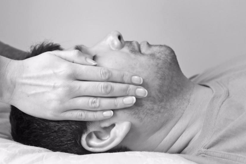 Tratamento de Reiki: pode ser feito em qualquer lugar, mas beneficia de uma envolvência adequada | Foto: Leila Lahfa/Creative Commons